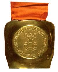 Зимние Игры 1984 лицевая сторона медали